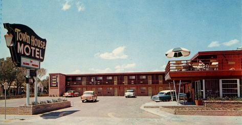 The Towne House Motel Is Still In Business At Amarillo Blvd And Tyler St
